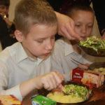 Кормление детей церковь Послание Надежды Львов